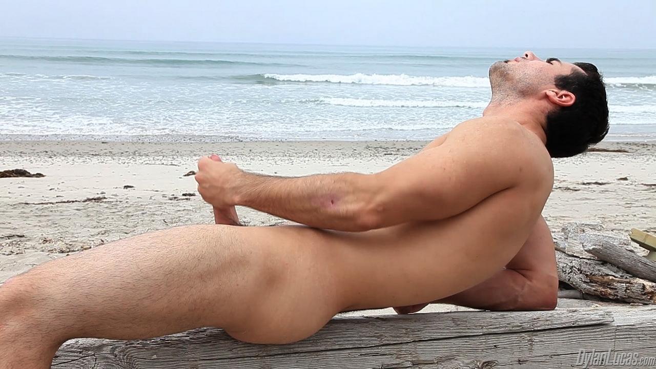 guy-naked-on-beach