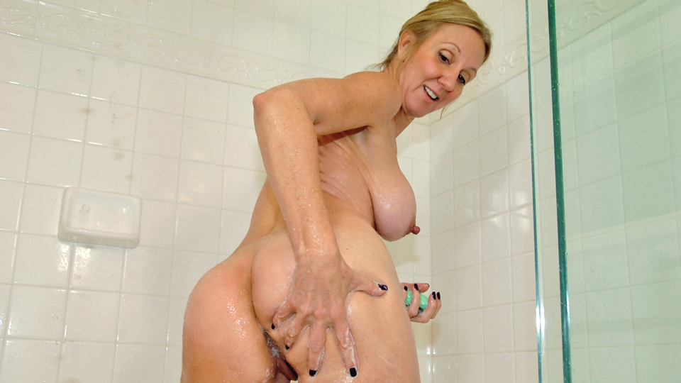 ladyboy-wives-mature-moms-in-shower-videos-vester-and