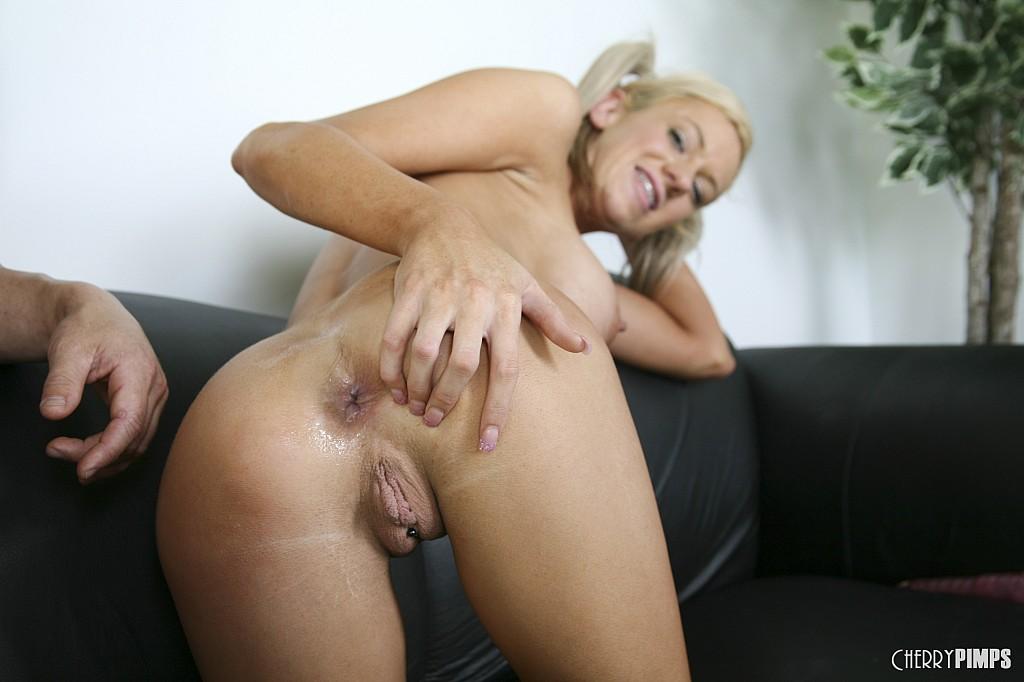 Kaylee hilton seduces her stepdad