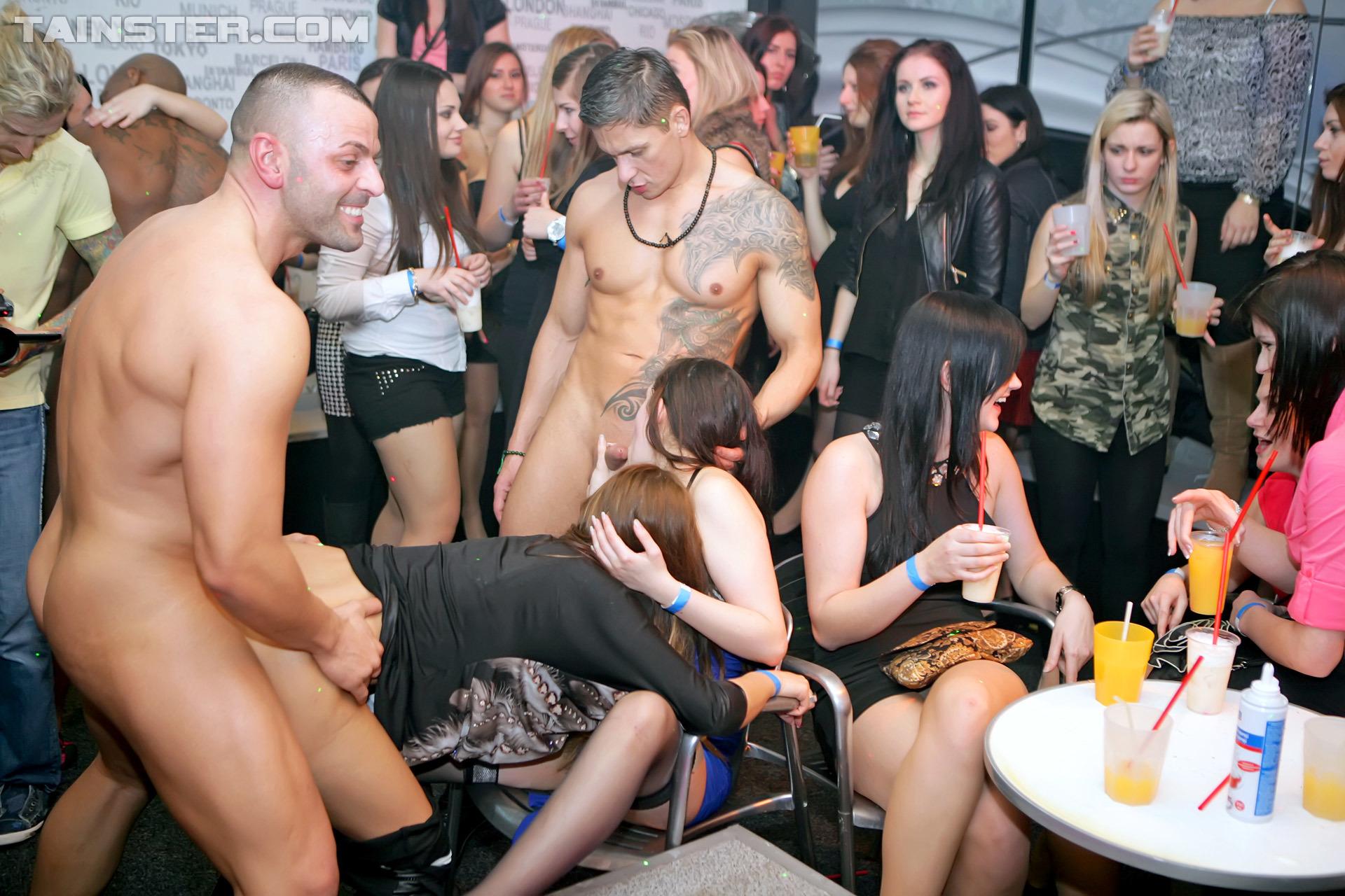 Смотреть секс вечеринки онлайн, Вечеринки смотреть порно видео онлайн, бесплатные 22 фотография