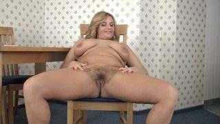 Lariona has fun stripping.. Wearehairy.com – gonzoporn.cc