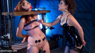 Juliette March vs. Newbie.. Electrosluts.com – gonzoporn.cc